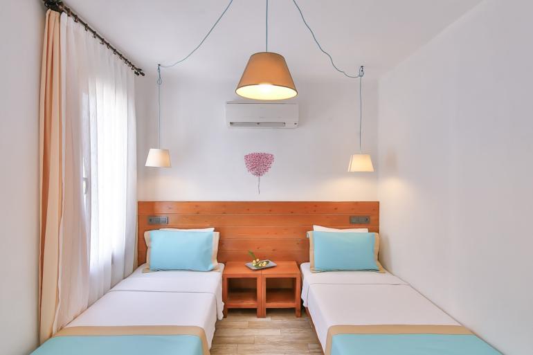 Ekonomik İki Yataklı Oda